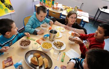 action petit déjeuner dans une école stéphanaise