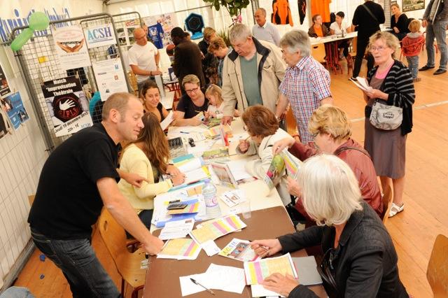 un stand associatif à la journée des loisirs en 2013