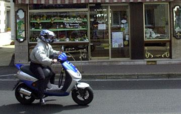 Scooter dans les rues stéphanaises : le bruit est la première source de nuisance en ville