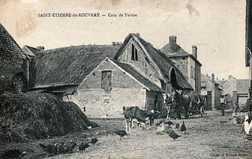 Carte postale ancienne : cour de ferme